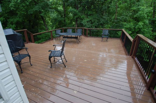 Azek Mahogany Deck with Trex Transcends Vintage Lantern Rail, Chesterfield