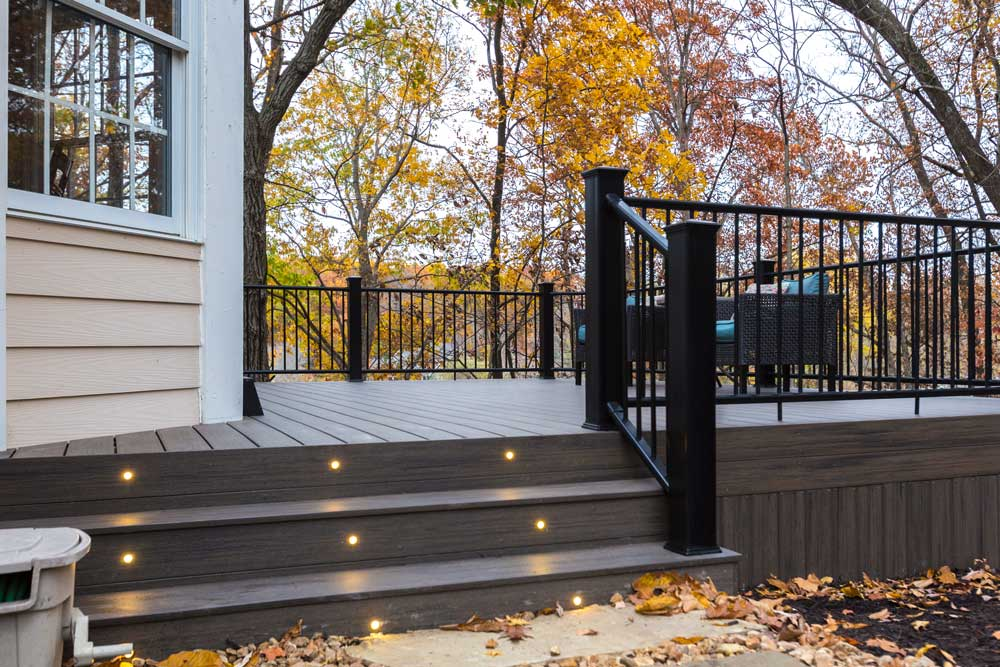 Deckorators Ironwood Stair Lights Black Metal Railing