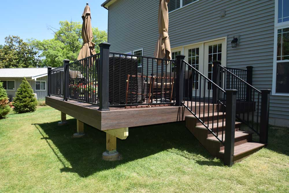 Deckorators Riverhouse Black Metal Rail Des Peres