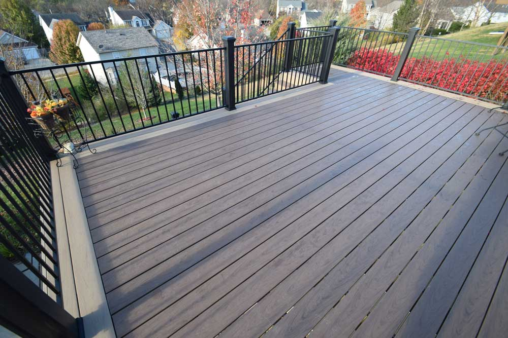 Deckorators Vault Decking Mesquite Hickory Black Metal Railing Multi Color
