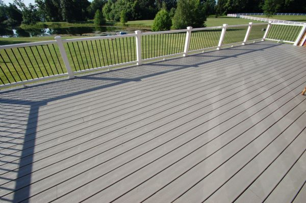 Photo gallery gallery image 169 california custom decks for Evergrain decking vs trex