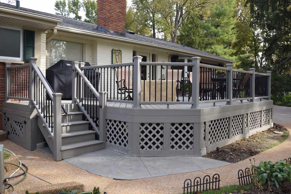 Trex Gravel Path Gray Railing Lattice