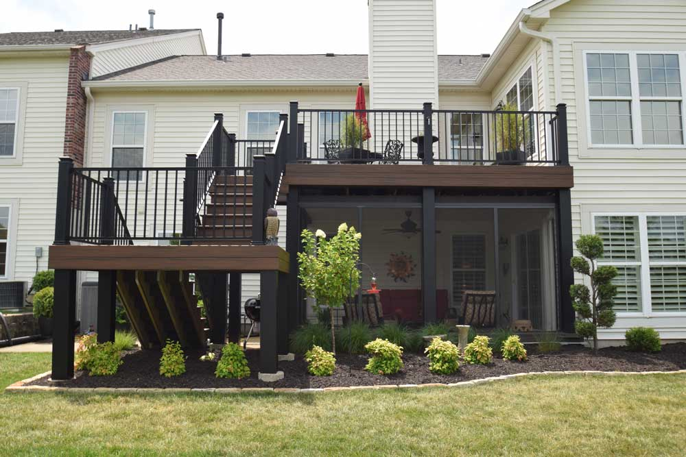 Trex Transcend Spiced Rum Decking Signature Railing Screen Room Under Deck Black Column Wraps