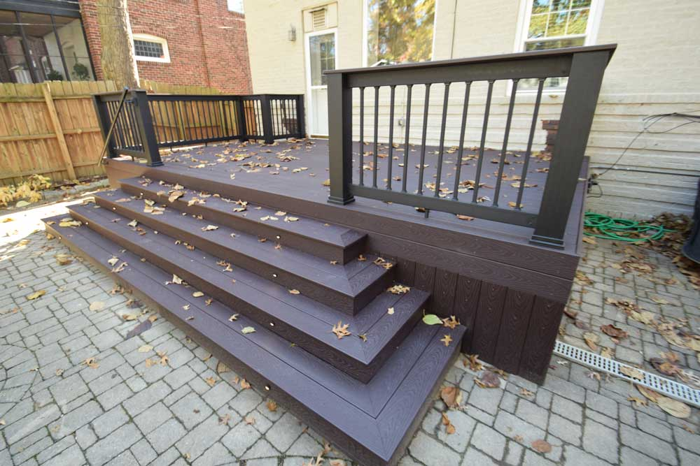 Trex Woodland Brown Wide Stairs